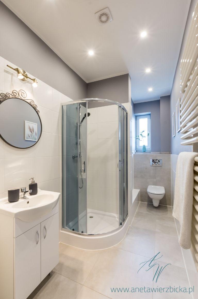 Wąska łazienka w kamienicy - Aneta Wierzbicka ...